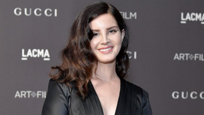 Lana Del Rey looks unrecognisable after changing her hair colour
