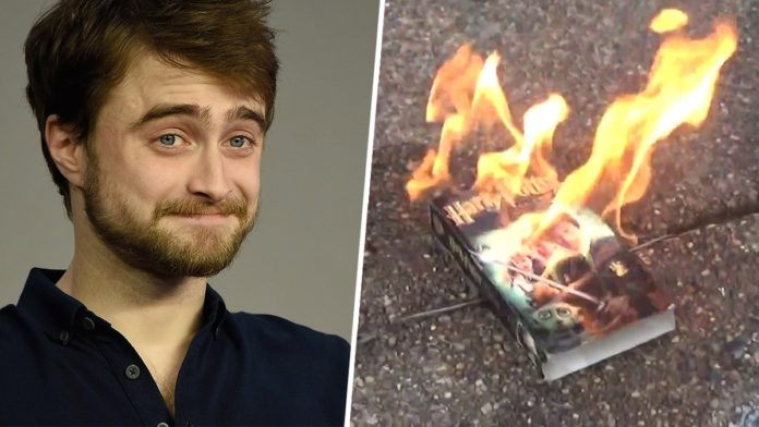 Radcliffe silent on Harry Potter book burning and Rowling death threats