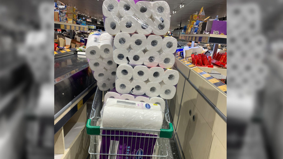 people hoarding toilet paper at Aldi, Australia