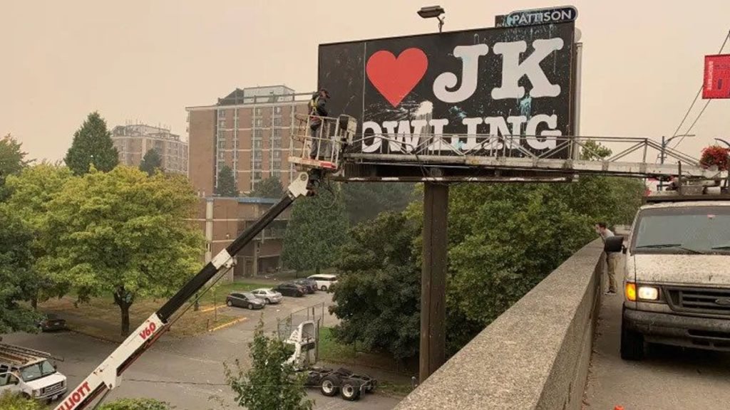 I Love J.K. Rowling signs declared transphobic and taken down in Canada